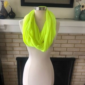 Under Armor Chartreuse Yellow Jersey Infinity Wrap